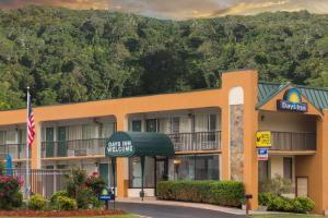 Days Inn by Wyndham Clayton - Hotel