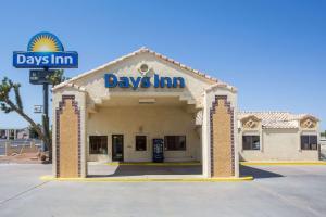 Days Inn by Wyndham Kingman West