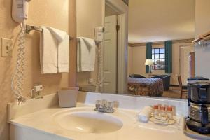 Days Inn by Wyndham Brownsville, Hotely  Brownsville - big - 8