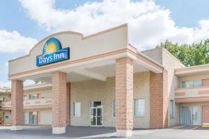 Days Inn by Wyndham St. Louis North