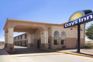 Days Inn by Wyndham Los Lunas