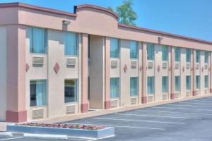 Days Inn by Wyndham New Cumberland/Harrisburg South - Accommodation - New Cumberland