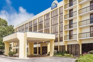 obrázek - Days Inn & Suites by Wyndham SE Columbia Ft Jackson