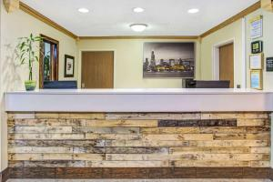 Days Inn by Wyndham Great Lakes - N. Chicago, Hotely  North Chicago - big - 27