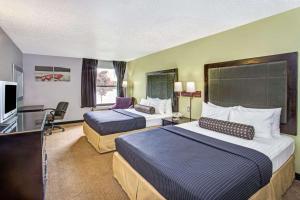 Days Inn by Wyndham Great Lakes - N. Chicago, Hotely  North Chicago - big - 32