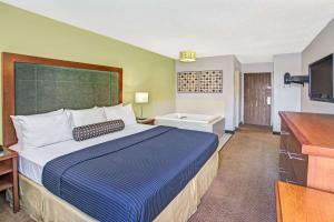 Days Inn by Wyndham Great Lakes - N. Chicago, Hotely  North Chicago - big - 40