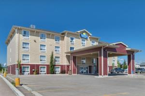 Days Inn & Suites by Wyndham Cochrane - Cochrane