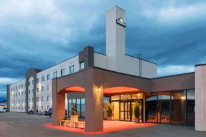 Days Inn by Wyndham Cranbrook Conference Centre - Hotel - Cranbrook