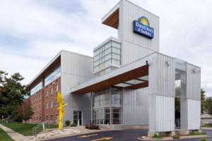 Days Inn & Suites by Wyndham Milwaukee, Szállodák  Milwaukee - big - 22