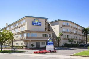 Days Inn & Suites by Wyndham Rancho Cordova