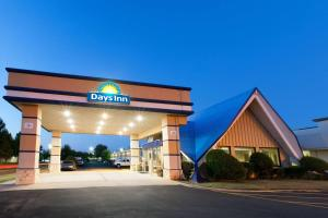 Days Inn by Wyndham Norman