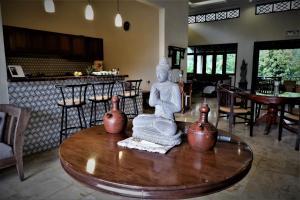 Villa Kendi, Комплексы для отдыха с коттеджами/бунгало  Kalibaru - big - 22