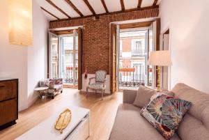 Prado Santa Ana 2BD/2BA, Apartments  Madrid - big - 1
