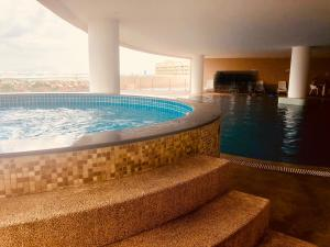 Lusso Suite Island Plaza, Apartmány  George Town - big - 169