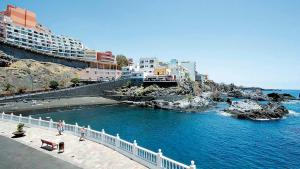 RYAN Tenerife Low Cost Apartments