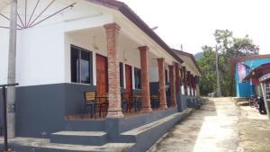 Taman Negara Travellers Lodge - Kuala Tahan