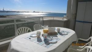 obrázek - A pie de playa y PortAventuraWorld