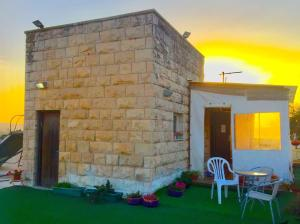 Roof suite at the heart of Jerusalem, Apartmány  Jeruzalem - big - 13