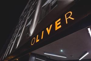 Oliver Apartments