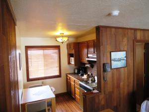 Mountain side Studio #512 Cabin