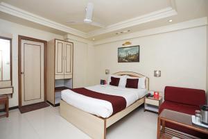 OYO Rooms Sadashiv Peth(PUN062)