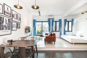 Scandinavian Apartment with Balcony in Bui Vien
