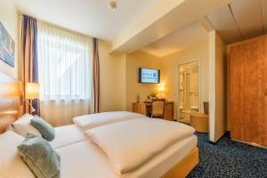 Cityclass Hotel Europa Am Dom In Cologne Room Deals Photos Reviews