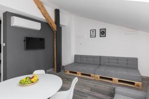 Loft Apartments Retoryka