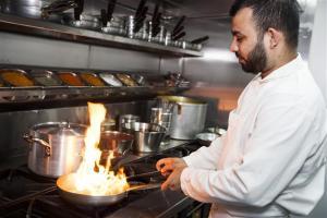 Ascot Grange Hotel - Voujon Resturant, Hotely  Leeds - big - 19
