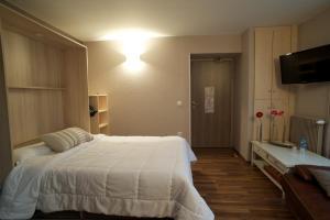 Brit Hotel Le Surcouf, Hotely  Saint-Malo - big - 35