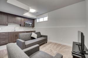 Lower Suite Apartment #33 Sunalta Downtown - Cochrane