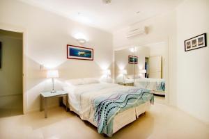Whitsunday Ocean Melody Deluxe Villa, Alloggi in famiglia  Airlie Beach - big - 6