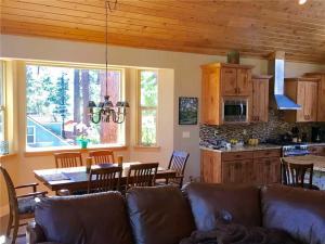 2380 Alice Lake Rd Cabin, Nyaralók  South Lake Tahoe - big - 9