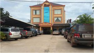 Heng Sokchamroeun GuestHouse - Khun Han
