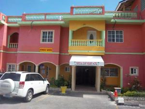 Tropical Court Resort Near Montego Bay Airport