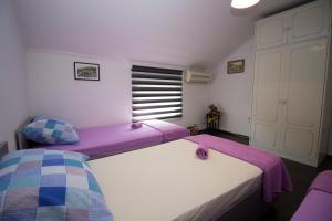 Rooms FM
