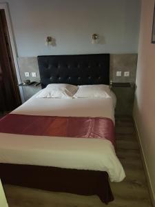 Hotel De L'arrivée, Hotels  Saint-Brieuc - big - 10