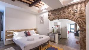 Rental in Rome Trastevere White - abcRoma.com