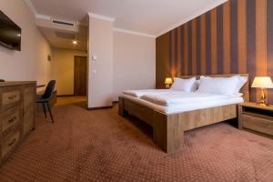 Sky Hotel, Отели  Орадя - big - 21