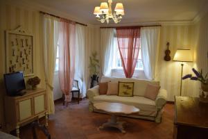 Palazzo Tucci Apartments - AbcAlberghi.com