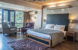 Hotel Ahdoos, Отели  Сринагар - big - 11