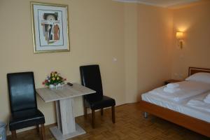 Hotel Imperium, Szállodák  Alsómarác - big - 23