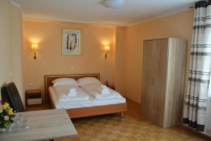Hotel Imperium, Szállodák  Alsómarác - big - 19