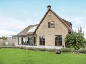 Four-Bedroom Holiday Home in Groede