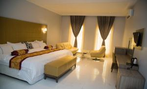 Maxbe Continental Hotel
