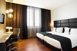 Holiday Inn Genoa City, Szállodák  Genova - big - 52