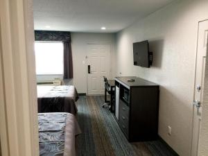 Americas Best Value Inn & Suites Mont Belvieu Houston, Motelek  Eldon - big - 11