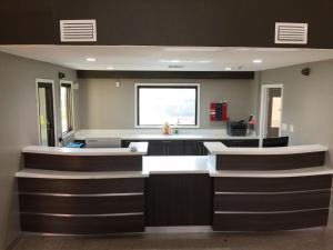 Americas Best Value Inn & Suites Mont Belvieu Houston, Motely  Eldon - big - 24
