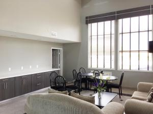 Americas Best Value Inn & Suites Mont Belvieu Houston, Motely  Eldon - big - 28