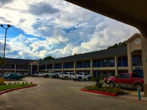 Americas Best Value Inn & Suites Mont Belvieu Houston, Motely  Eldon - big - 19
